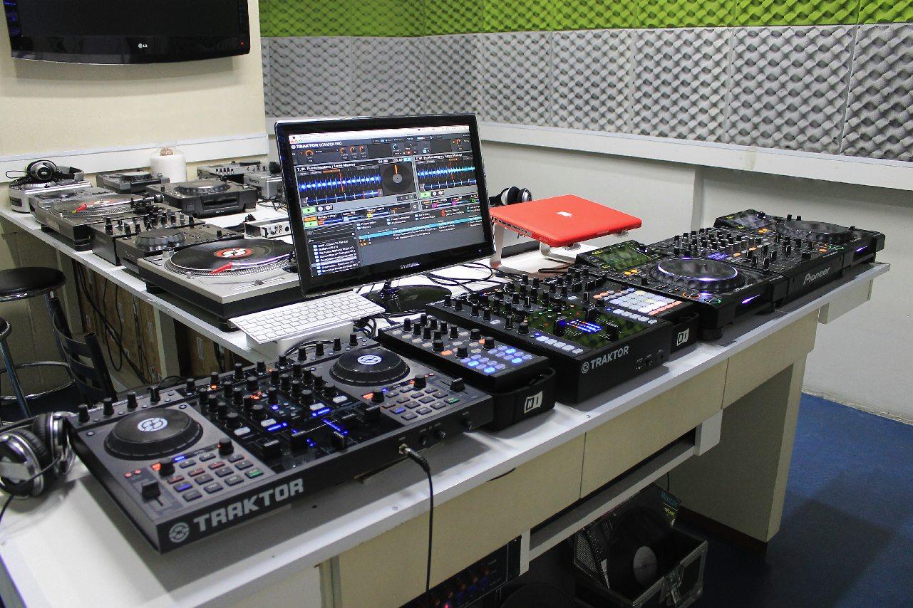 Cursos Intensivos de DJ e Produção Musical em Julho! Ableton Live, Apple, curso de ableton, curso de dj, logic pro, Produção musical, propellerhead, reason