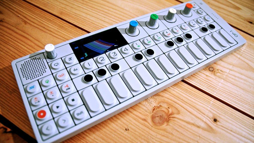 Procurando algo diferente? Conheça o OP-1 op-1, Produção musical, sintetizador, sinths, teenage engineering