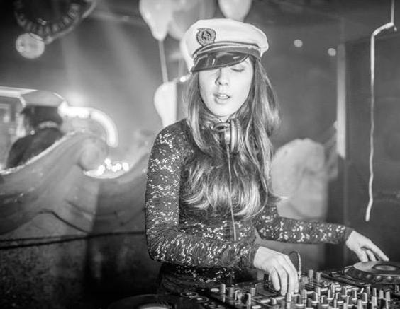 Club Yatch tem Luana Candotta, ex-aluna da DJBan, em suas noites balada