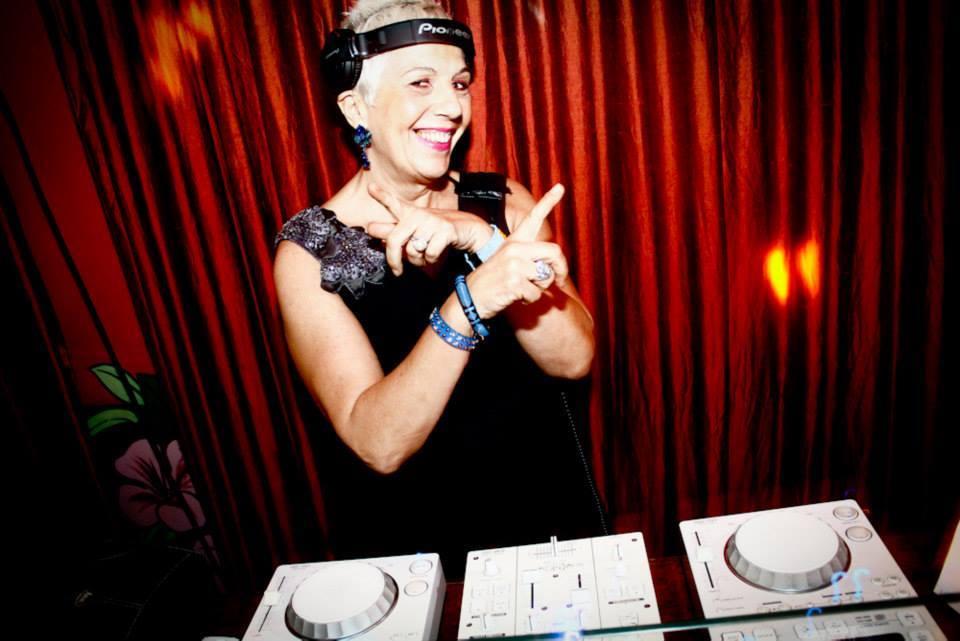 Sonia Abreu fala sobre pioneirismo da mulher na cena DJ no Batendo Prato, dia 21.05 ban schiavon, bantv batendo prato, brasil, claudia assef, DJ, livro, Sonia Abreu, todo dj ja sambou