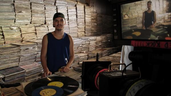 É do Brasil! Assista 10 Documentários Nacionais sobre o Assunto Introduzindo o Drum 'n Bass no Brasil