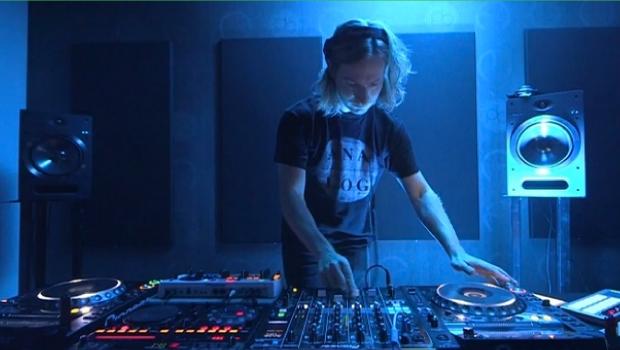 Assista o Maestro James Zabiela em um set incrível para a DJ Mag dj mag