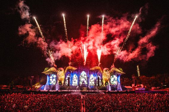 EDC Brasil anuncia lineup por dia e detalhes do EDC Day above & beyond, adriano pagani, Alex Justino, Alok, Amine Edge & Dance, Anna, art department, Arty, Atellagali Baggi, Audien Ban Schiavon, Bassrush Experience, Baumer, Bro Safari, btk, Cazzette, chemical surf, Crizzly, Dash Berlin Datsik, Deorro, Dieselboy, Dirty Noise, Dirtyphonics, DJ Cinara DJ King, dj marky, Dubfire: Live Hybrid, EDC, EDC Weekend, Electric Daisy Carnival, Excision, Fallen, Fehrplay, felguk, Goldfish (Live) Gorgon City (Live), groove delight, Grum, gta, Heiken vs L.O.O.P Jonas Rathsman, Hook 'n Sling, Insomniac, Jam Thieves, Jamie Jones Kidnap Kid, Kill The Noise, Klingande, Knife Party, Krewella, KSHMR, LUCIANO, Marc Houle Marcelo CIC, Marginal Men, Martin Garrix, Mats, Milo & Otis, nedu lopes, Nervo Omulu, Pistlro, R3hab, renato ratier, repow, Ricardo Lin vs Bernardo Ziembik, Route 94, S.P.Y Skrillex, Sigma, Slander, steve aoki, Sugar Crush, The Magician Tiësto, TIME FOR FUN, Tom & Collins Vintage Culture, tropkillaz, Victor Ruiz Av Any Mello, Yellow Claw, Zomboy Adventure Club