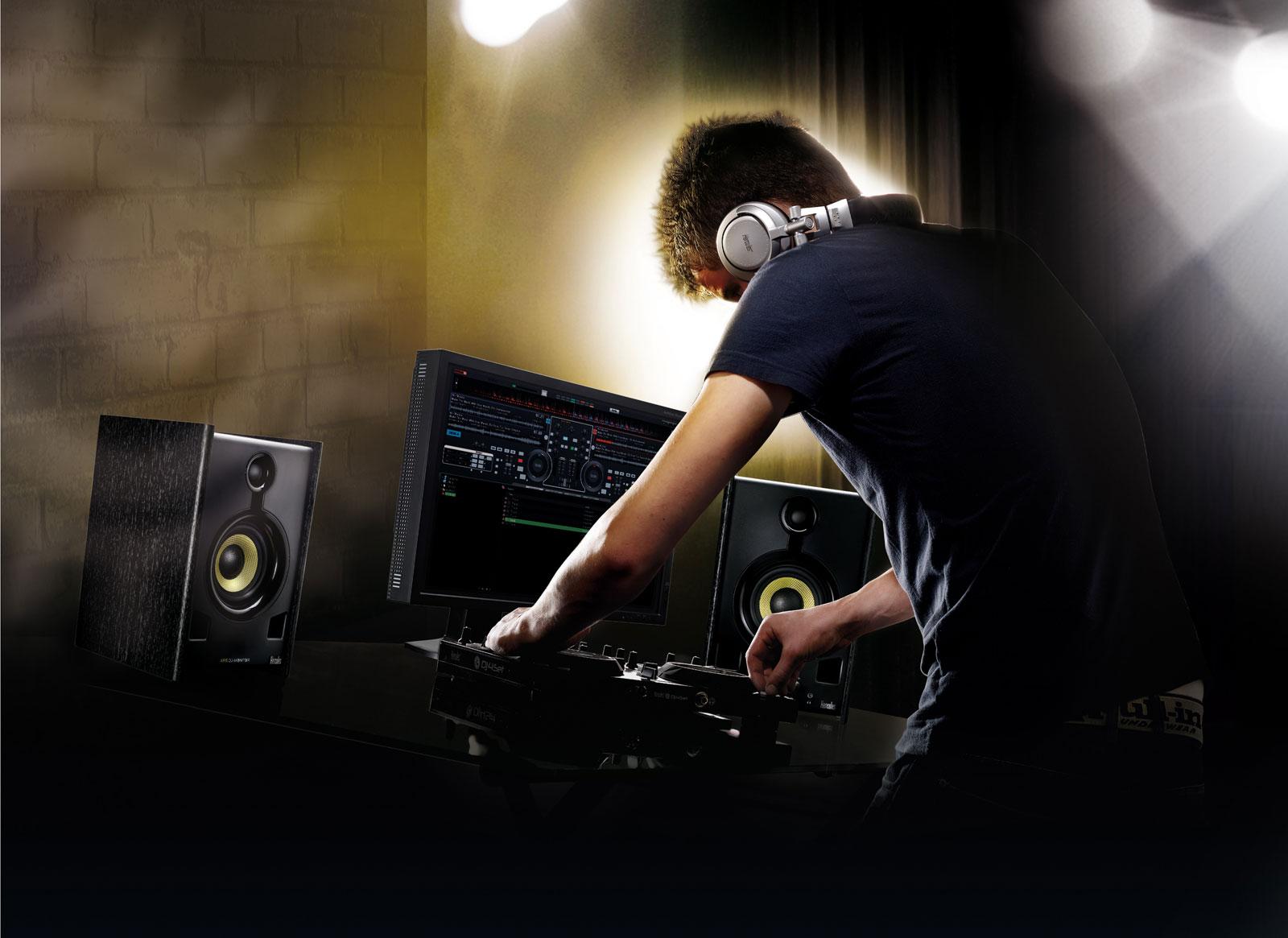 2º Mês da Música Eletrônica: 7 Dicas que Todo DJ de Warm Up Devia Seguir, mas Normalmente não Segue club, dicas, DJ, headliner, warm up