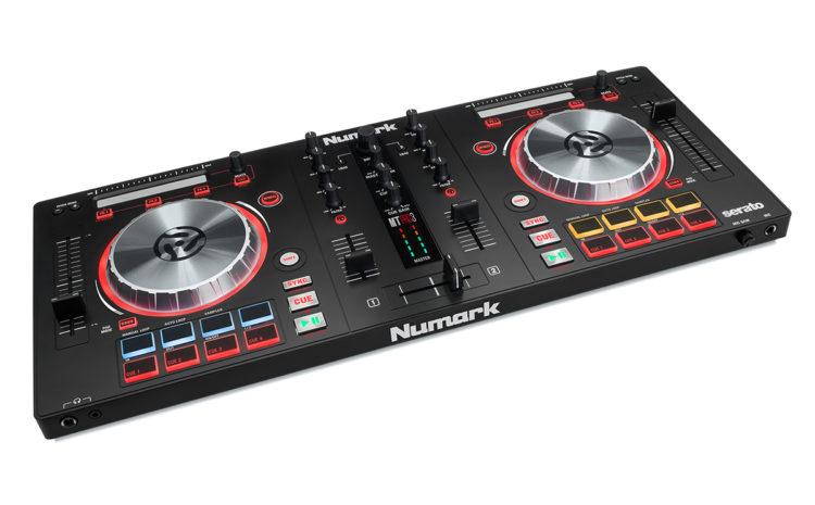 Conheça as controladoras Mixtrack Pro 3 e Mixtrack 3 da Numark mixtrack 3