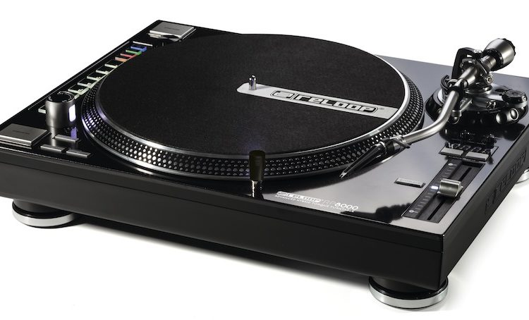Toca disco e controlador MIDI: Conheça o Reloop RP-8000 toca-disco