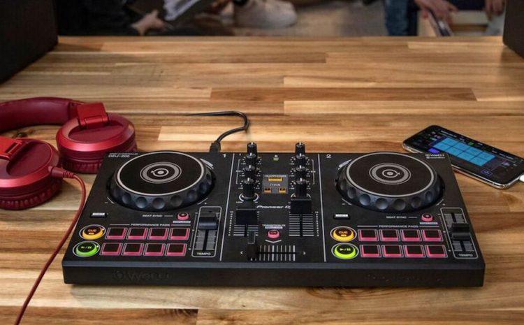 DDJ-200 Pioneer DJ. Festa em qualquer lugar! hardware
