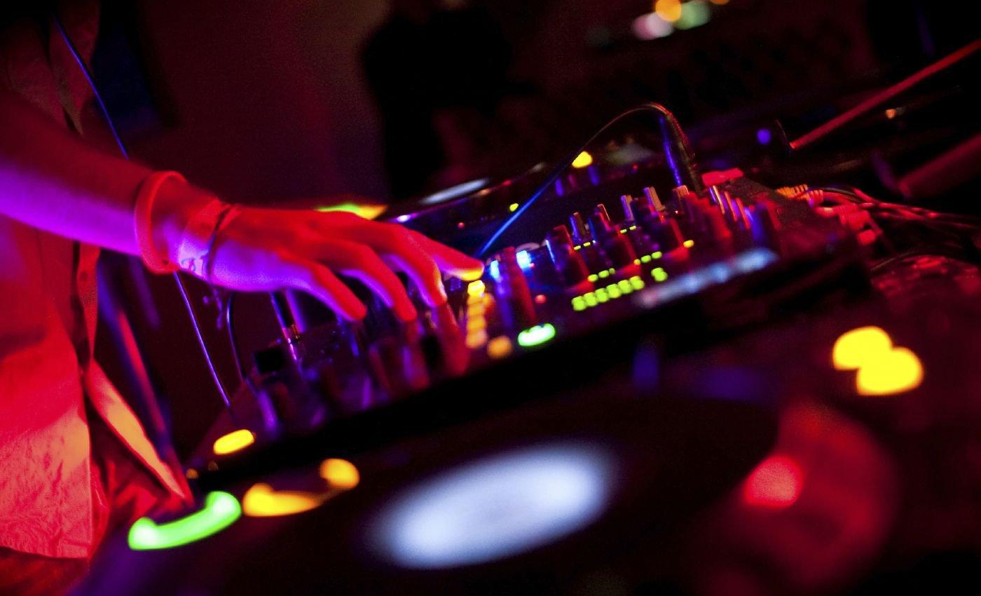 2º Mês da Música Eletrônica: Como gravar um SET? Com o que? Salvar, divulgar e mais... audacity, como gravar um set, microtrack m-audio, mp3, nero, placa de som pci, placa de som usb, podomatic, sound forge, soundcloud, wav