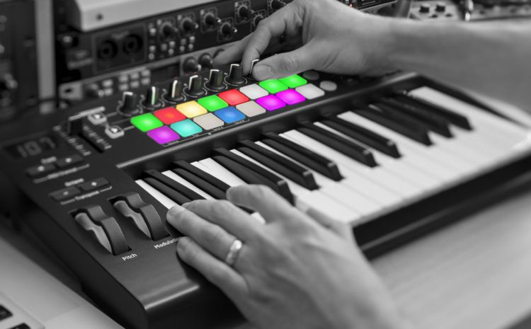 Novation anuncia nova versão do Launchkey MIDI Keyboard novation