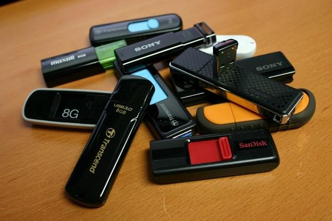 Quais são os melhores Pen Drives para DJ? cdj, corsair, kingston, pen drive, pioneer, sandisk, sd card, usb