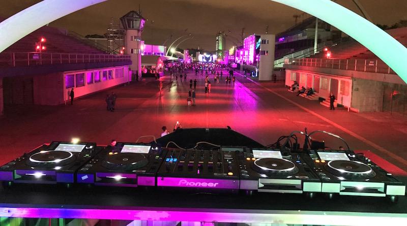 Locação de Setup DJ para o final de ano! #cdj2000nx, #cdj2000nx2, aluguel de equipamentos, DJ, djm900nx, djm900nx2, locação, locaçao de equipamentos para dj, música eletrônica, Natal, native instruments, numark, pioneer, pioneer dj, plx1000, rane, Reveillon, s9, setup, sixty two, technics, z2