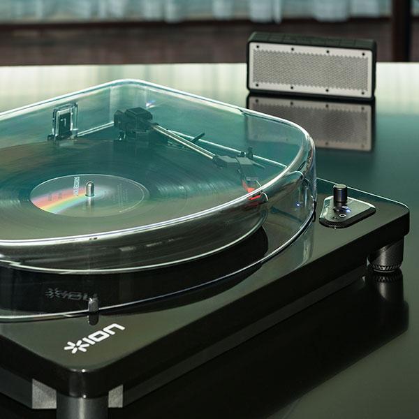 Toca discos da ION combina design retrô e tecnologia moderna air lp, bluetooth, design, ion, toca-discos