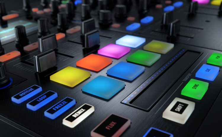 Nova Traktor Kontrol S8: Review exclusivo por DJ Will Reviews