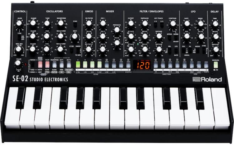 Sintetizador SE-02 (Roland Boutique) analógico