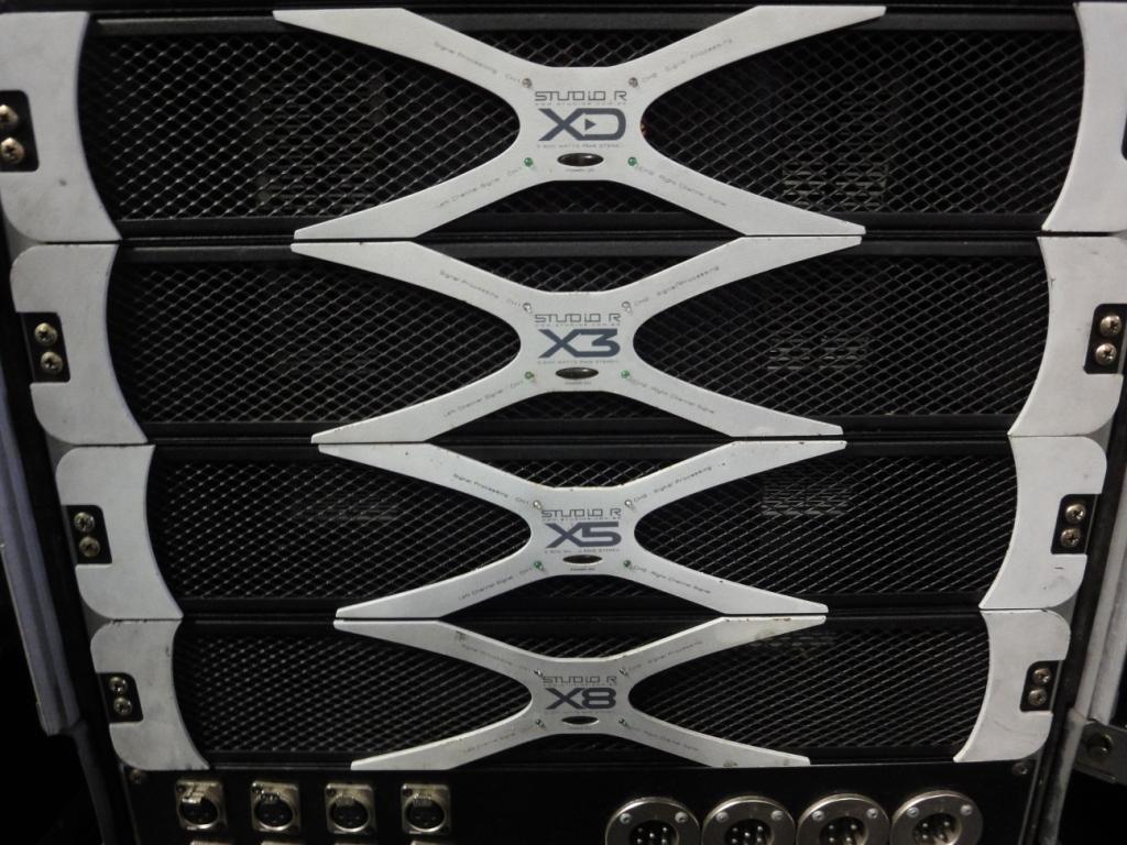 Studio R: Alto-falantes mais potentes que o amplificador studio r