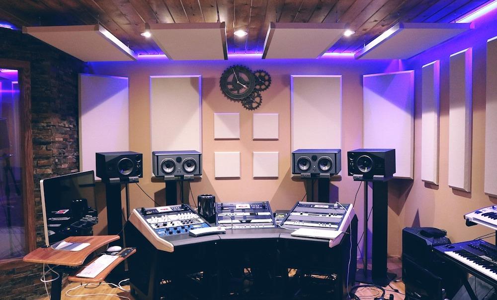 10 dicas para melhorar a acústica do seu quarto